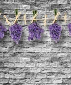 Fototapet med motivet: Tegelsten Vägg Blommor Lavender